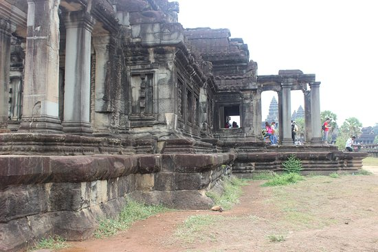 Angkor Wat Jeep Tour: Inside Ankor Wat Temple premises during the Day time