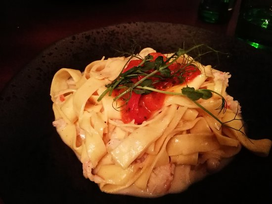 RougeMarin: tagliatelle with lobster