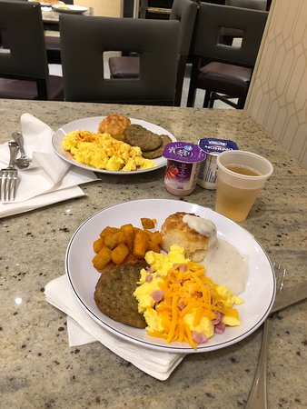 Had a wonderful stay at the Drury Plaza in Pittsburgh. Room was very comfortable and clean. Lots of space to move around. 5:30 Kickback was amazing as was breakfast. Plenty of food to choose from. Easy walk to PPG Paint Arena.