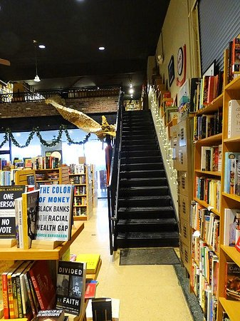 The Book Tavern: inside