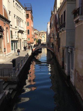 """Centro Storico di Venezia: """"Venezia è anche un sogno di quelli che puoi comperare"""" FG"""