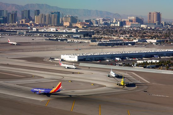Southwest Airlines: WN #580 PHX-LAS 737-700 Seat 2F - Approach to LAS
