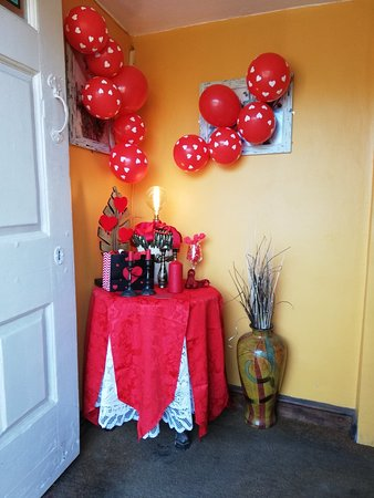 Cropredy, UK: Entrance set up for Valentines Day