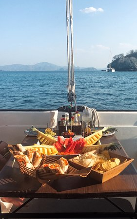 Private Sailing Snorkel and Sunset Cruise in Flamingo: Incredible food!