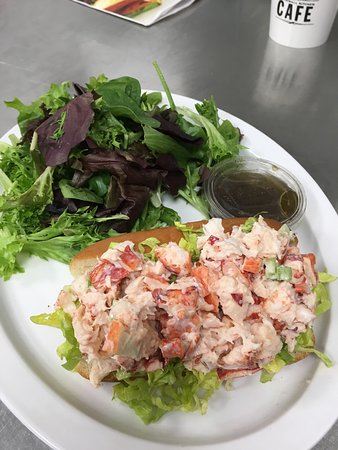 stonewall kitchen lobster roll picture of stonewall kitchen cafe rh tripadvisor ca