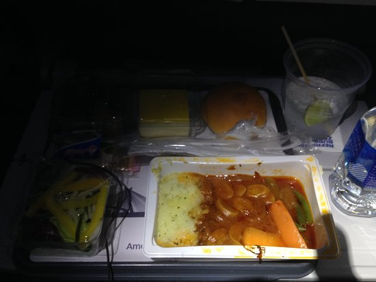 American Airlines: 機内食1回目