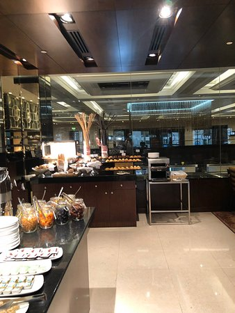 Selections Restaurant at InterContinental Regency Bahrain: Back again to my breakfast place