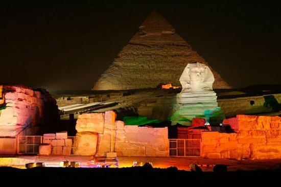 Vis av lys og lyd på Giza-pyramidene...