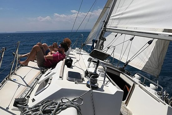 Tour in barca a vela Catania Mattinata