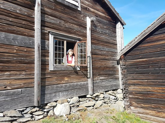 Pigan på Ångermanlandsgården, Friluftsmuseet Murberget.