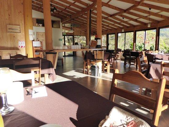Grande Salle A Manger Vue Panoramique Sur La Nature Et Les