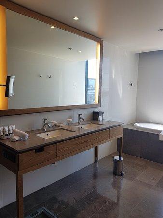 Yarra suite Room 701