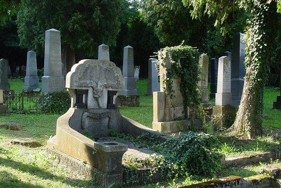 Cimitero Ebraico a Dolga Vas, Lendava