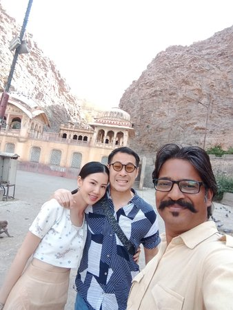 best tour guide in jaipur, best driver in jaipur, rajasthan tour packages from jaipur, jaipur one day tour,jaipur tour itinerary