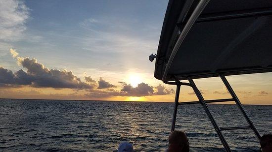 Belize Diamond Adventures: snorkel sunrise