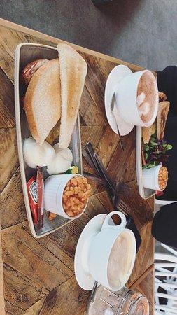 Such a lovely breakfast ☕️🍽