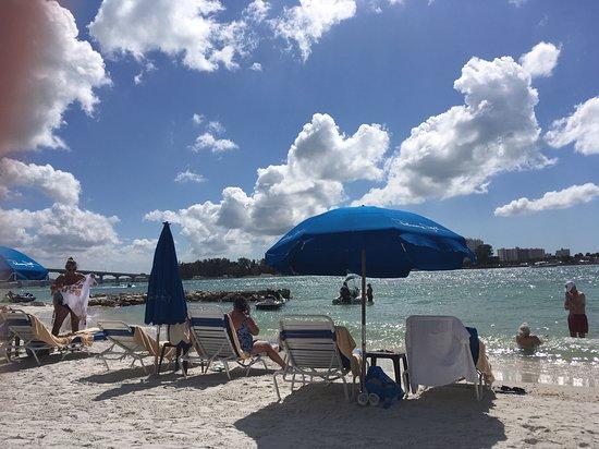 Shephard's Beach Resort: The beach