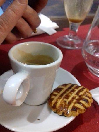 café (très bon) biscuit sorti du paquet