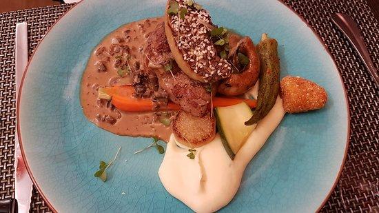 Delices du Papillon: Filet de veau roti et foie gras poelé