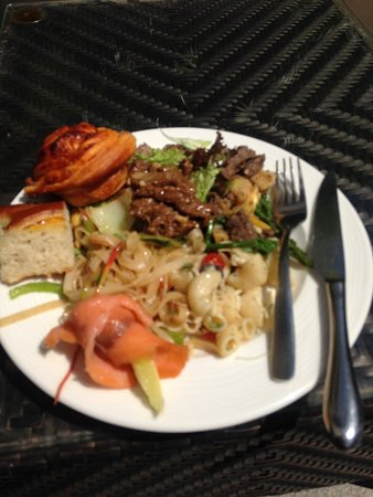 Hard Rock Hotel Goa: Selection of food from the Pool Party buffet