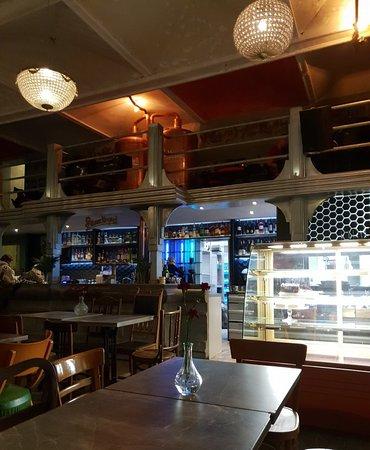Hevre: Great bar