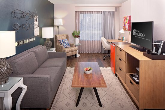 Hotel Indigo Austin Downtown - University: Suite Living Room