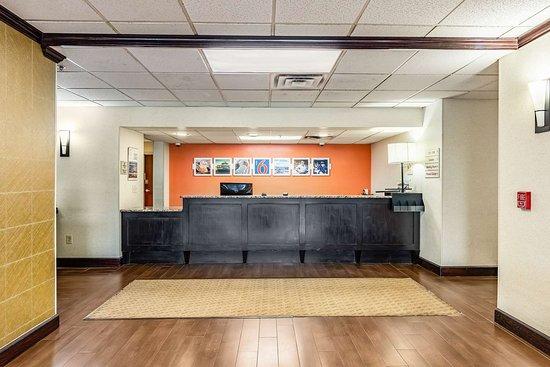 Motel 6 Conway, AR: M Lobby