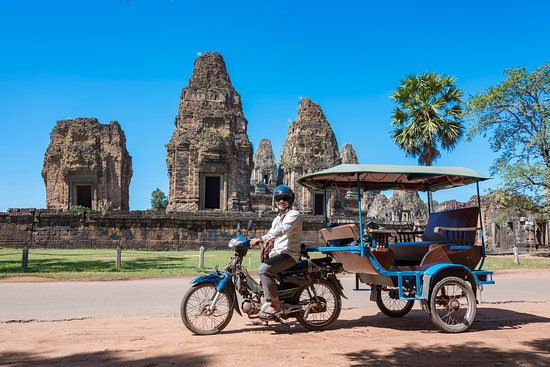 ‪Angkor Dara's Car and Tuk Tuk Tour‬