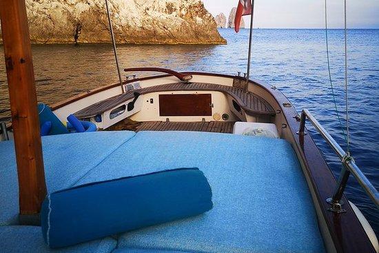 Scopri l'Isola di Capri in Barca