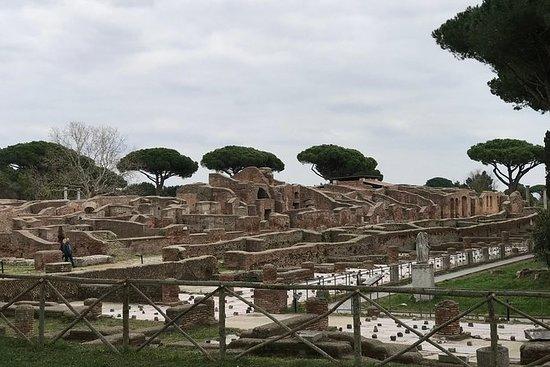 Private Tour durch Ostia, den alten Stadthafen, mit dem Van mit einem promovierten Archäologen: Private tour of Ostia antica, the ancient city harbor