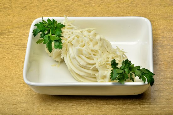 Бархатный картофельный мусс с пармезаном