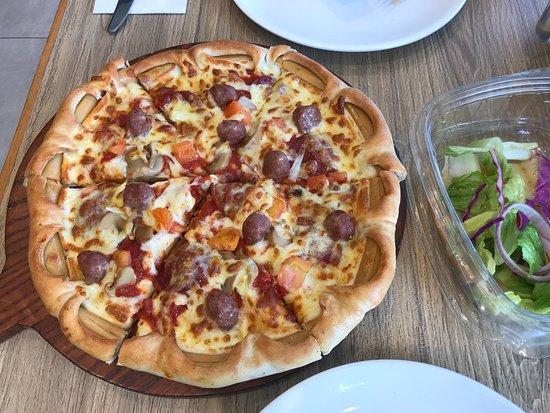 Pizza Hut Dubai Shekh Khalefa St Al Karama Restaurant Reviews Phone Number Tripadvisor