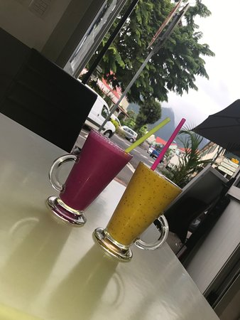 Nos Smoothies 100 % Fruits ....