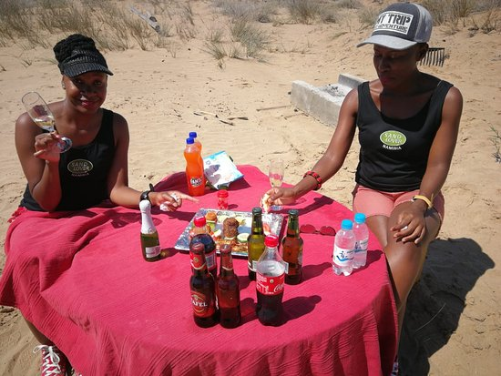 Sandwich Harbour and Dune Drive Day Tour from Walvis Bay: picnic in the desert anyone