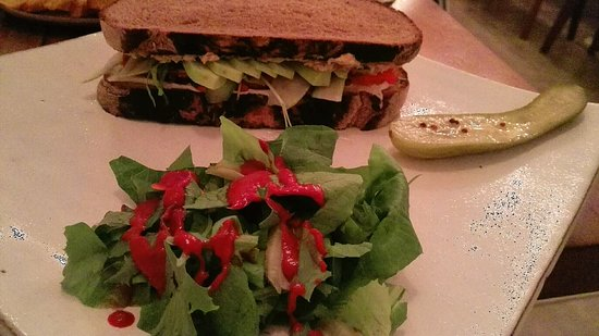 """Vibe Cafe: CHICKPEA 'TUNA' SANDWICH  with a very thin layer of """"tuna"""""""
