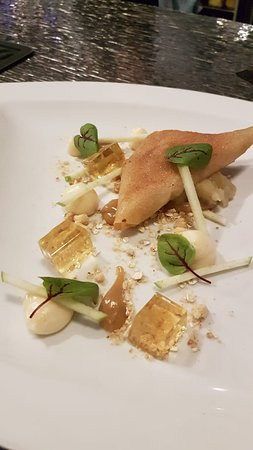 Apple and Cinnamon Samosa
