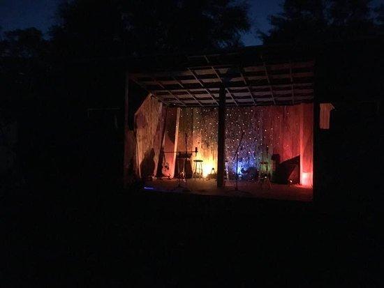 Tripadvisor - صور مميزة لـ Lucky Mud Productions - Youngstown صور فوتوغرافية