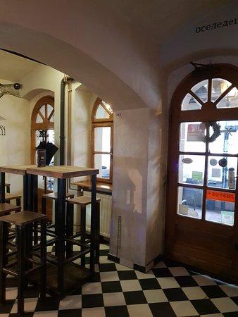 Ambasada Sledzia: Great bar