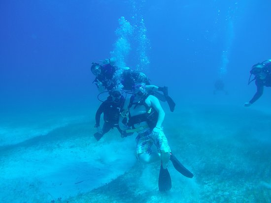 PADI Oplev Scuba Diving i Montego Bay: On my 4th dive with some friends after training!