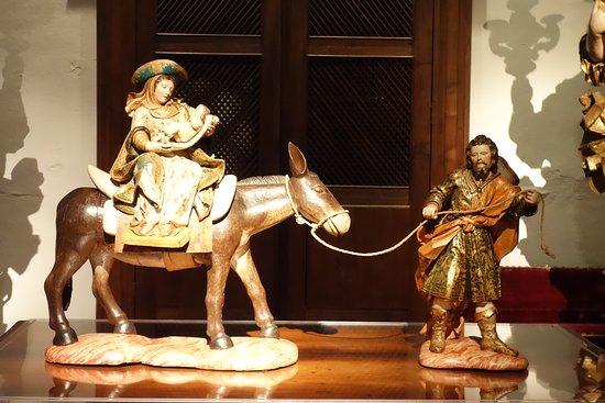 Alberto Sampaio Museum: Ceramic of Mary & Joseph with Baby Jesus