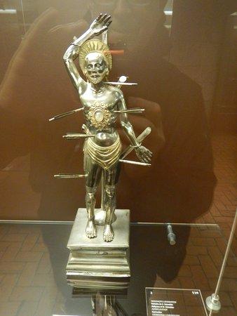 Alberto Sampaio Museum: Saint Sebastian in silver and gold