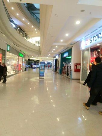 Neomarin Alışveriş Merkezi