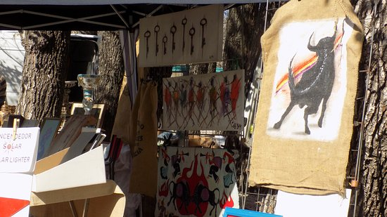 Round Town Travel : Crafts and antiques in Jalon