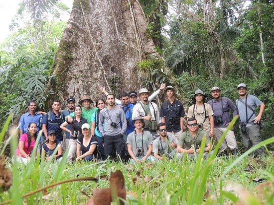 Estudiantes conociendo sobre los bosques de Caño Negro / Students knowing about the Caño Negro Forest