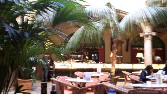 Cappuccino Grand Cafe: Cappuccino Grand Café