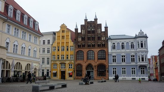 Wulflamhaus: Front