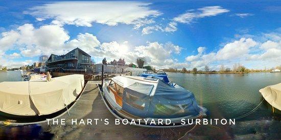 Hart's Boatyard on River Thames