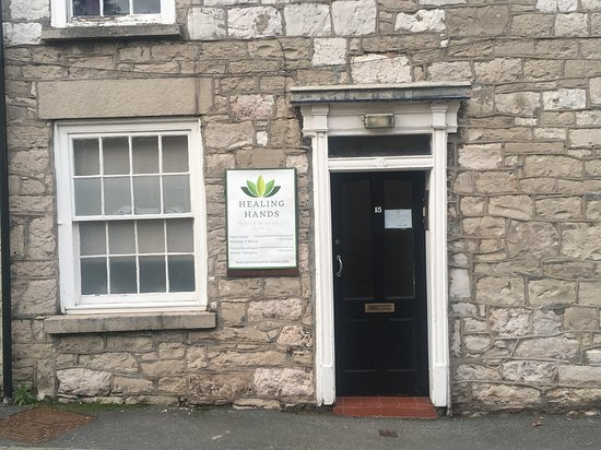 Ruthin, UK: Healing Hands Clinic Entrance