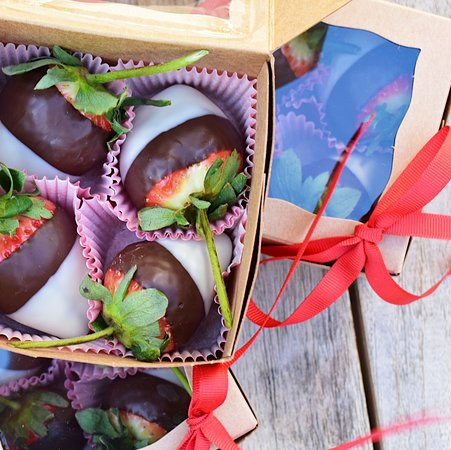 Valentine's Day Chocolate Covered Long-stemmed strawberries from Mañana at South Congress Hotel in Austin, Texas.
