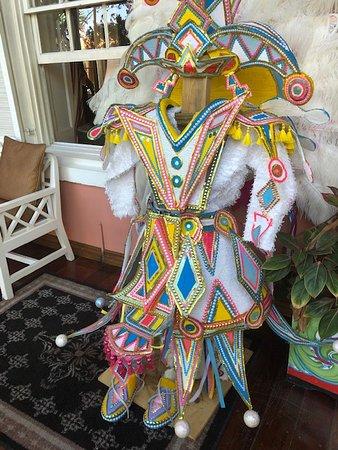Speisenverkostungen und kultureller Spaziergang durch Nassau: Junkaroo costume